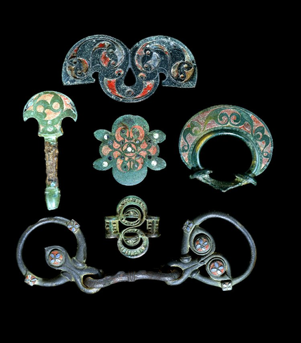 Teaching History with 100 Objects - Iron Age horse trappings