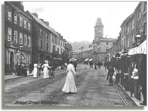 Victorian Street Description