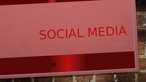 Social Media - 3 risks (Fake News, Sleep, Digital footprint)